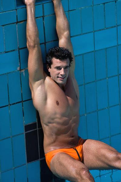 Neste calor, nadar é bom...