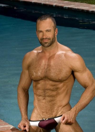 Comemorando 500 posts com um dos homens peludos mais interessantes do mês de junho de 2012. Obrigado por sua visita ao Belos Mais Belos e divulgue o site !